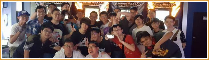 Photo de groupe du Tournoi SDVX à Virtualand Singapour