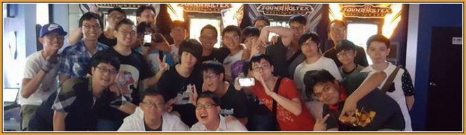 Photo de groupe du Tournoi SDVX à Virtualand Singapour